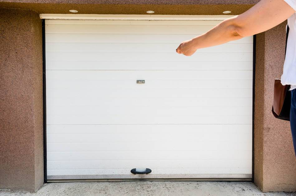 garage door pvc with remote controller. white lastic automatic